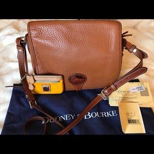Dooney&Bourke Vintage Brown Leather /Red interior